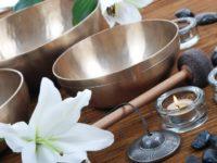Поющая тибетская чаша очищает и лечит